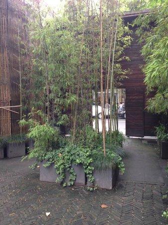 URBN Boutique Shanghai: entrance