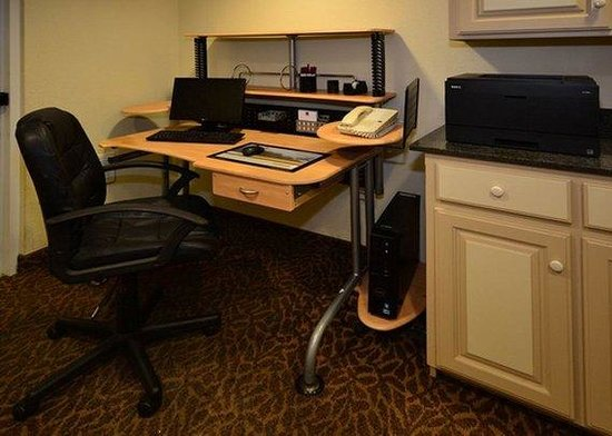 Comfort Suites Springdale: business center