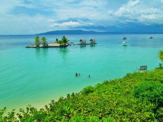Panglao Island Nature Resort & Spa: beautiful u can swim to the island its only like 5 feet deep