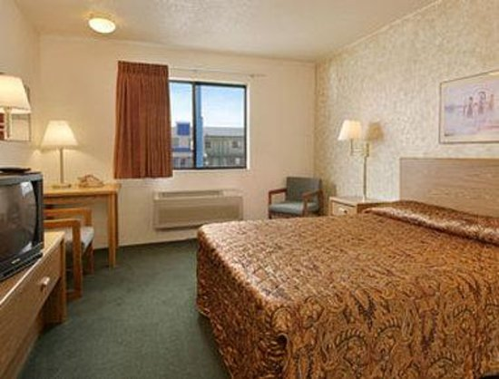 Days Inn Wall: Standard Queen Bed Room