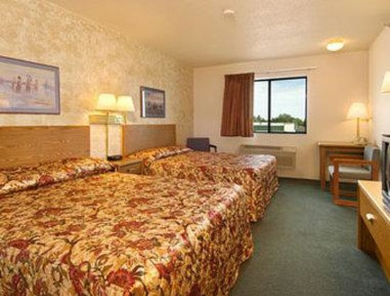Days Inn Wall: Standard Two Double Bed Room