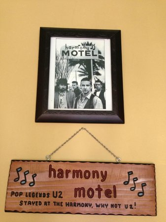 Harmony Motel: Famous U2 photo when they stayed here during the making of their album, The Joshua Tree!