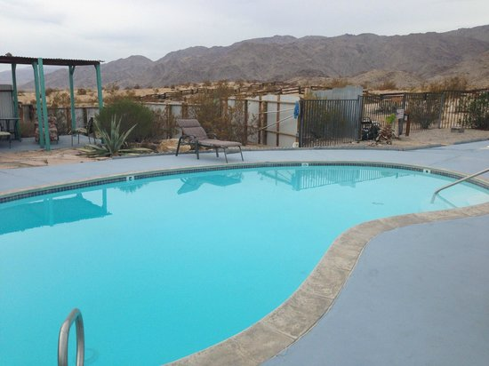 Harmony Motel: Lovely pool area