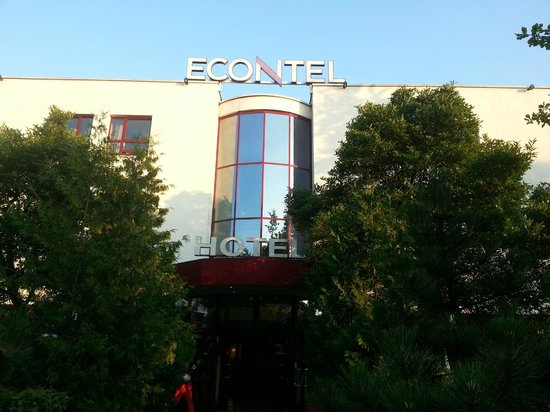 ECONTEL HOTEL Muenchen : Front of hotel