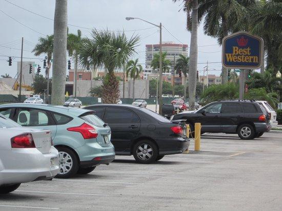 Best Western Palm Beach Lakes Inn: Front entranceway