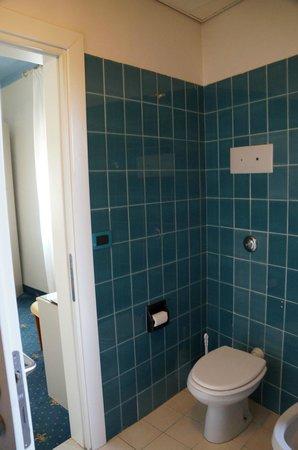 Hotel Corso: Ванная