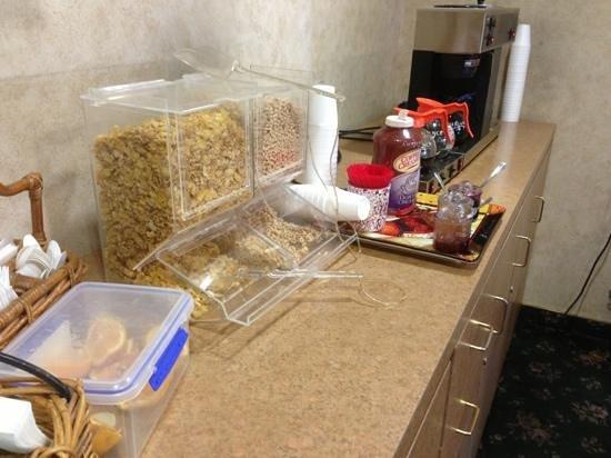 Tarzana Inn: Frühstück, mehr gibt es nicht !!!