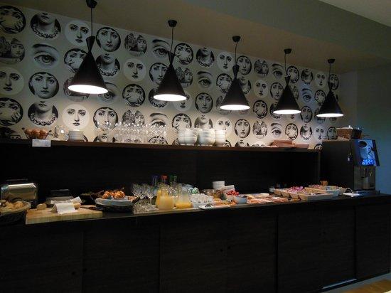 Square Hotel: breakfast buffet