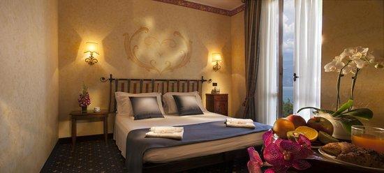 Hotel Benaco : camera