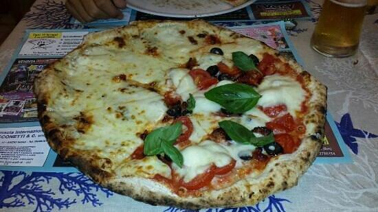 Squisy Pizza: Bigusto nduja e 5 formaggi