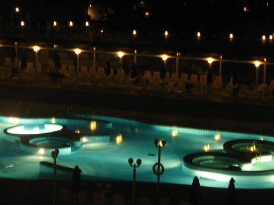 Hotel Habakuk : Spa at night