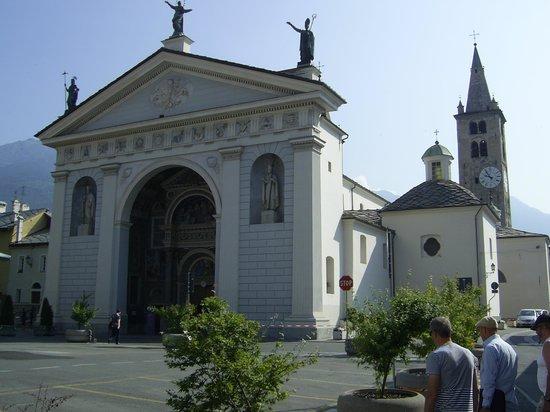 Cattedrale di Santa Maria Assunta: Katedralen i Aosta.