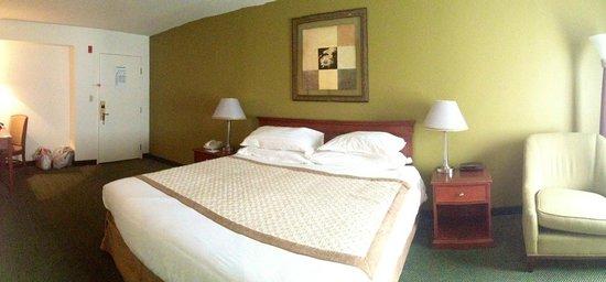 Hawthorn Suites by Wyndham Sacramento: Room