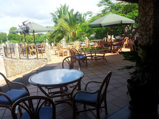Temple Point Resort: Outside dining