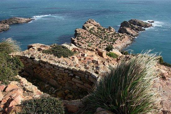 Dar Enesma: Sur les hauteurs de El Haouaria plage