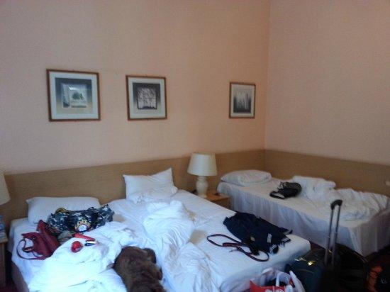 Hotel Castell : Family room