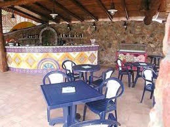 Su Giganti Hotel : Bar piscina ( Territorio di Roby )