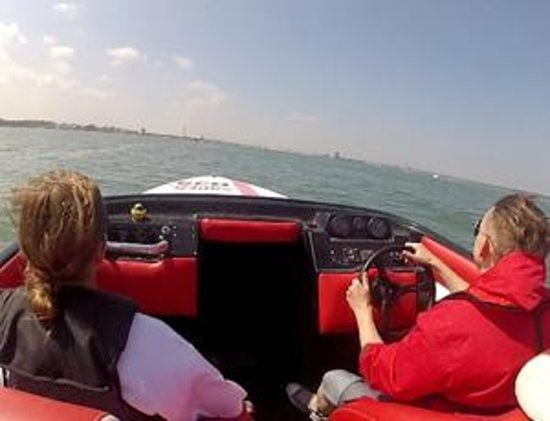 Saber Powersports: Honda F4 Powerboat Stag Party in Southampton