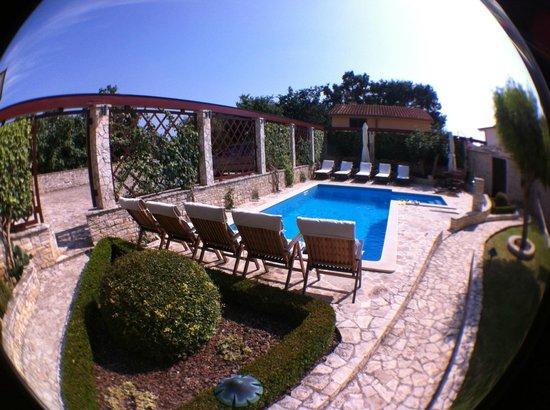 Villa Velike Stine: Poolområde
