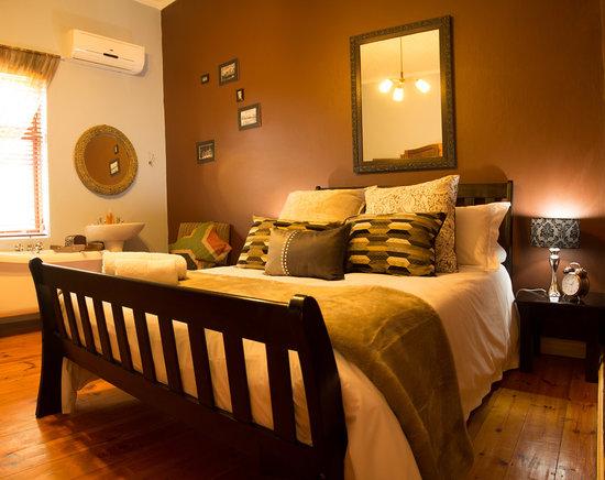 Wesselsheim Bed and Breakfast: Bedroom 1