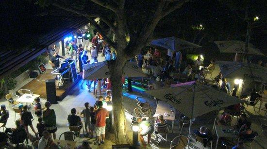 Camping Rubina Resort : El bar y las animaciones al atradecer