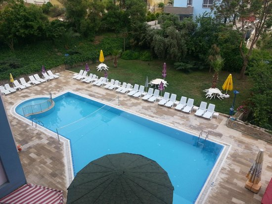 Happy Apart Hotel: POOL AREA