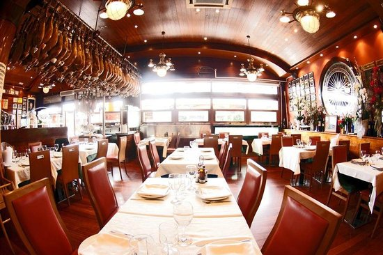 Photo of Mediterranean Restaurant La Barca Del Salamanca at Moll De Gregal 13-17, Barcelona 08005, Spain