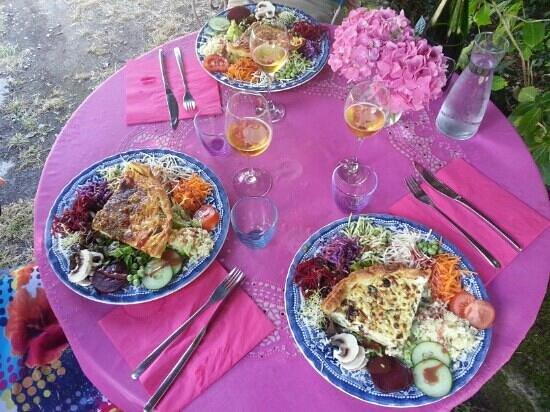 Asphodele: tartes aux légumes du midi et tarte feta olives.
