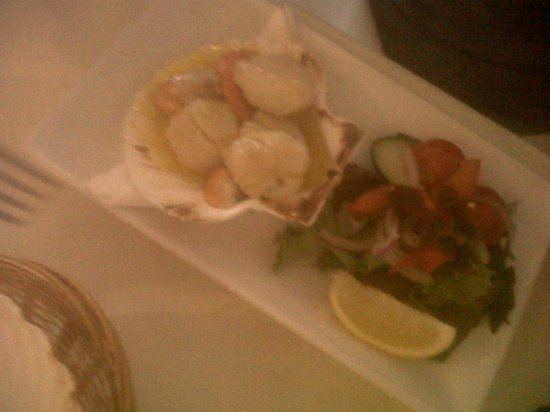 Floods Restaurant: scallop starter.. perfectly cooked