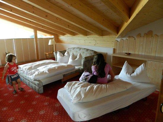 Hotel Rheinischer Hof : room