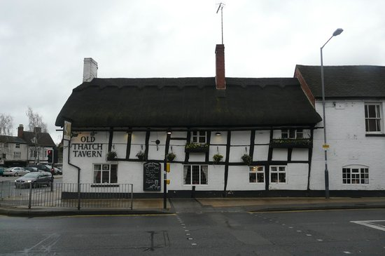 Old Thatch Tavern: outside the Tavern