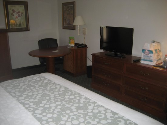La Quinta Inn & Suites Andover: average room