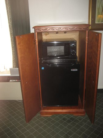 La Quinta Inn & Suites Andover: microwave & fridge was nice to have
