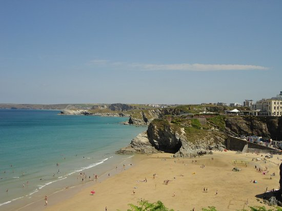 Trebarwith Hotel: Private beach, view from the  hotel