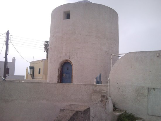 Mylopetra: perasma old wind mill