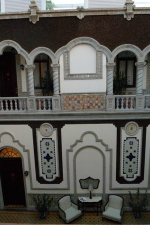 Hotel Morales Historical & Colonial Downtown Core: Hall interno