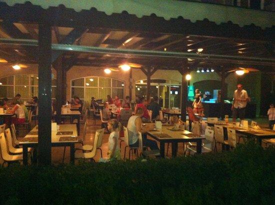 Otium Eco Club Side: Restaurant dehors