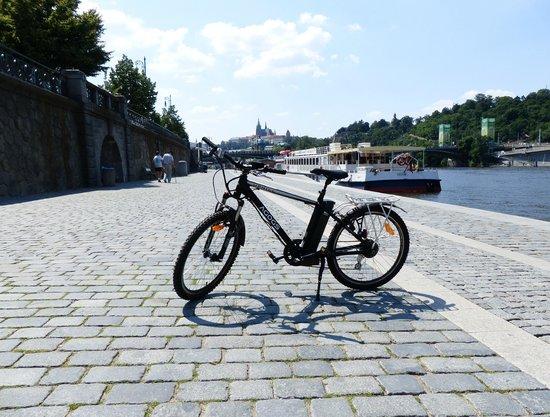 Prague E-bike tours and E-bike rental: Agogs Uphill