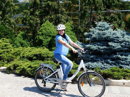 Prague E-bike tours and E-bike rental: E-bike tour