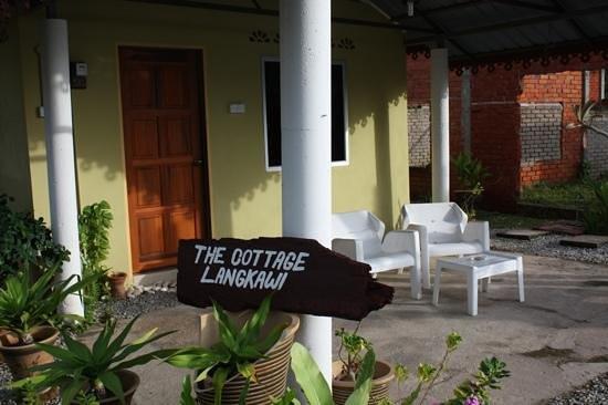 The Cottage Langkawi: Terasse eines der Cottages