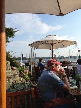 Latitudes Restaurant: Dining Alfresco