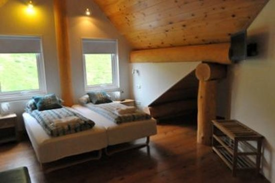 Welcome Hotel Lambafell : chambre sous les toits