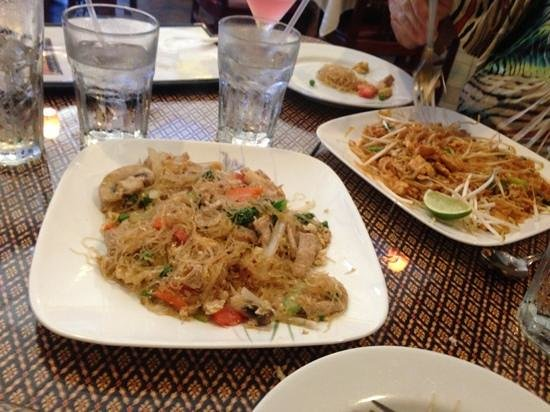 Thai Aroma: Pad Woonsen on left, Pad Thai on right.