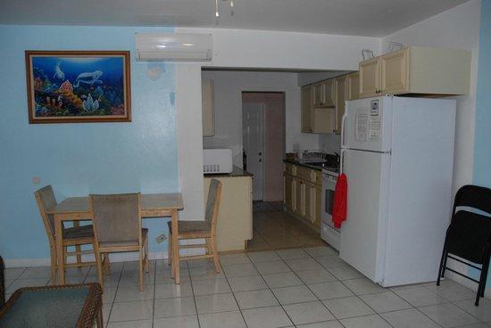 The Hotel Deauville: Communal kitchen