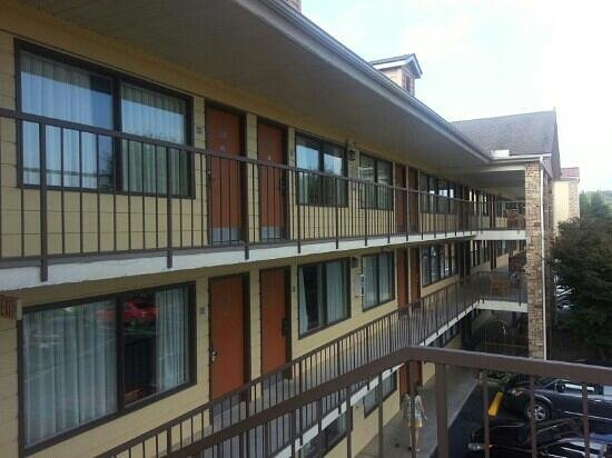 Quality Inn & Suites River Suites: Front of hotel
