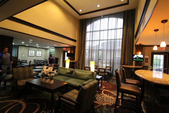 Staybridge Suites Toronto: lobby