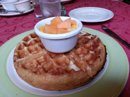 El Pegaso: Waffles Anytime of the Day
