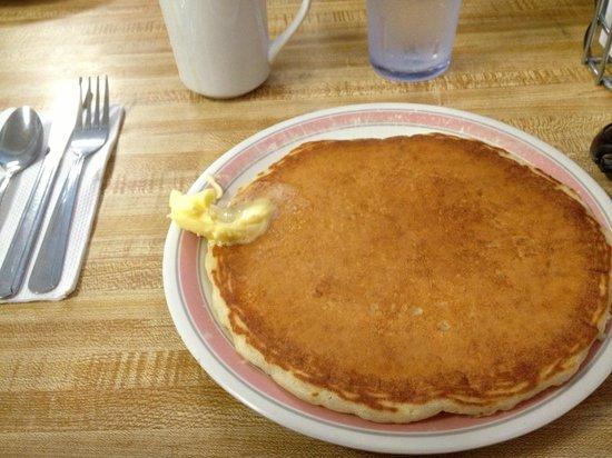 Tasty Crust Restaurant: まんまるパンケーキ!