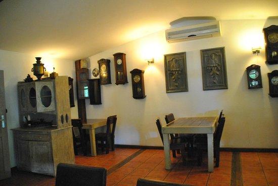 Restauracja Kwadrans : Piękne zegary