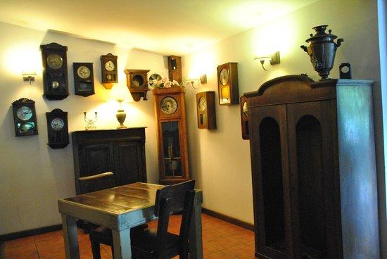 Restauracja Kwadrans : Zegarowy wystrój wnętrza